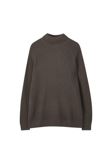 Magas nyakú, texturált kötött pulóver