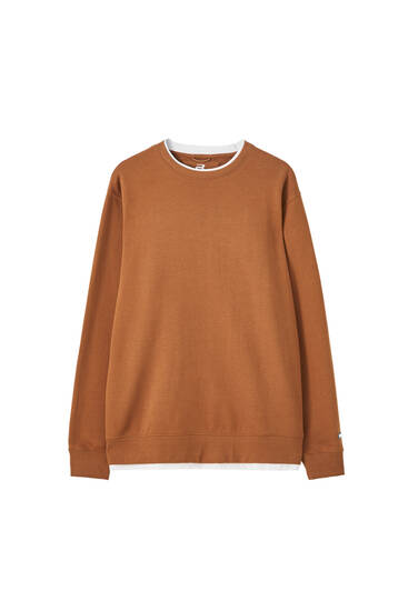 Basic sweatshirt with a ribbed neckline