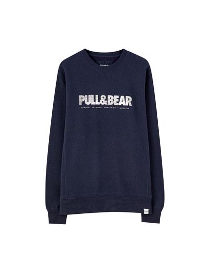 Basic coloured sweatshirt with logo