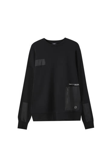 Black sweatshirt with contrast details