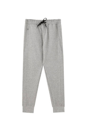 Joggers with seams
