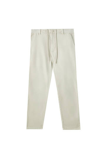 Slim fit chino trousers with an elastic waistband