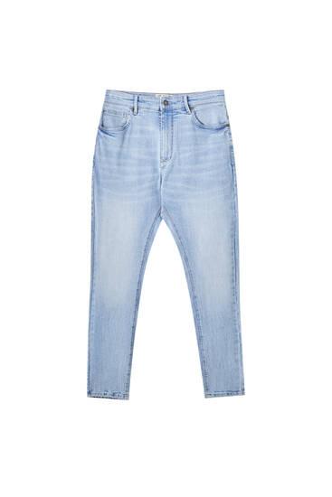 Jeans carrot fit algodón