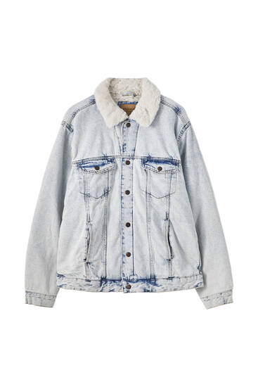 Джинсовая куртка с воротником из искусственной овчины