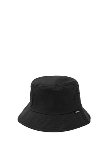 Basic black bucket hat