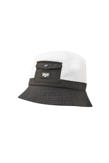 Fleece bucket hat with pocket