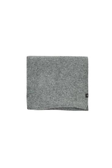 Basic coloured scarf