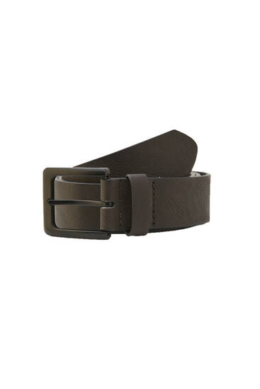 Brown belt with contrast buckle