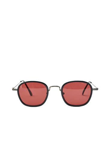Gafas sol lentes rojas