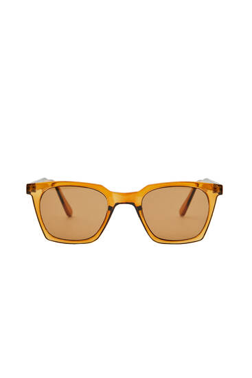 Brown resin sunglasses