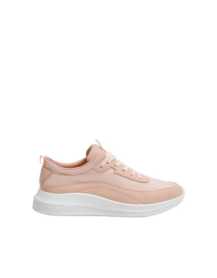 Pink jogging trainers