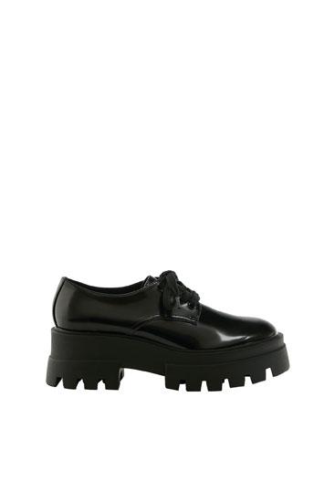 Zapato plano suela track