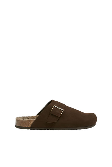 Leather clogs with buckle detail