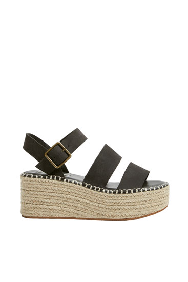 Split suede wedges with straps