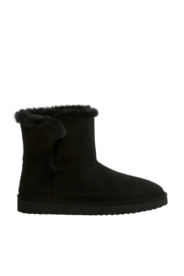 Black winter ankle boots with faux fur lining