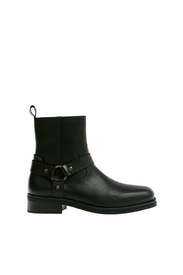 Шкіряні чоботи в ковбойському стилі