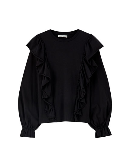 Black T-shirt with ruffle trims