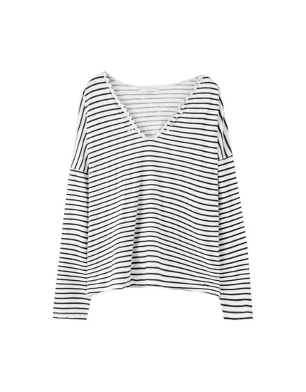 Basic T-shirt with horizontal stripes