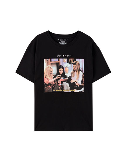Black T-shirt with the female Friends characters