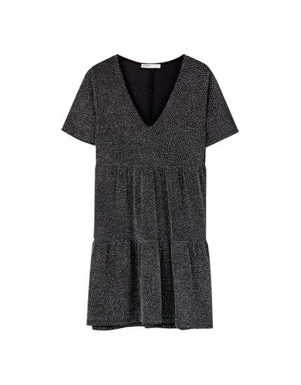 Γυαλιστερό φόρεμα αεράτο με λωρίδες