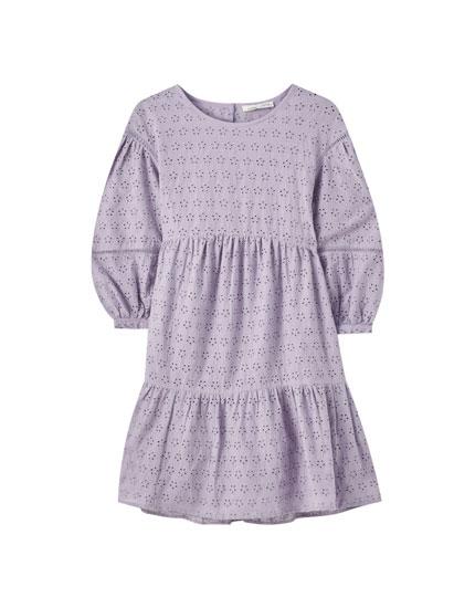 Φόρεμα babydoll με κεντήματα και βολάν