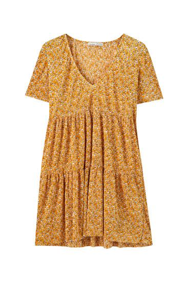 Vestido plissado com color block com volume