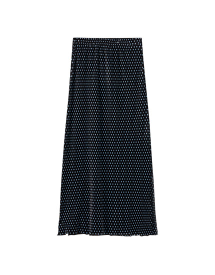 Pleated midi skirt with slits