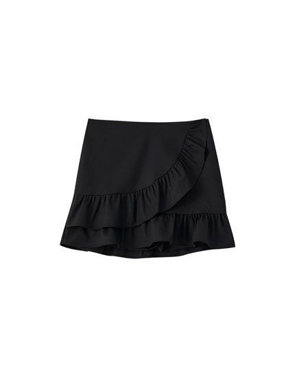 Black shorts with crossover ruffles