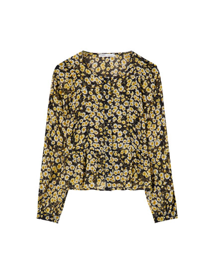 Ruffled daisy print shirt