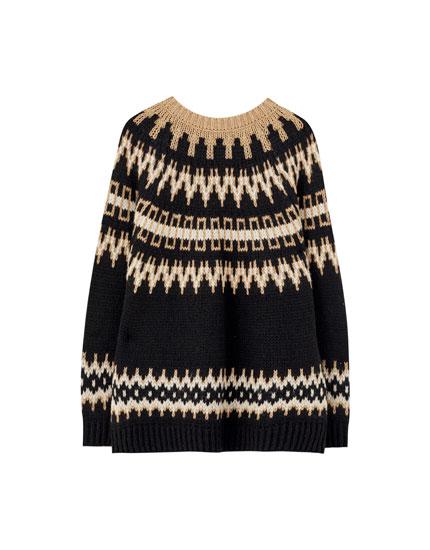 Черный свитер из жаккарда