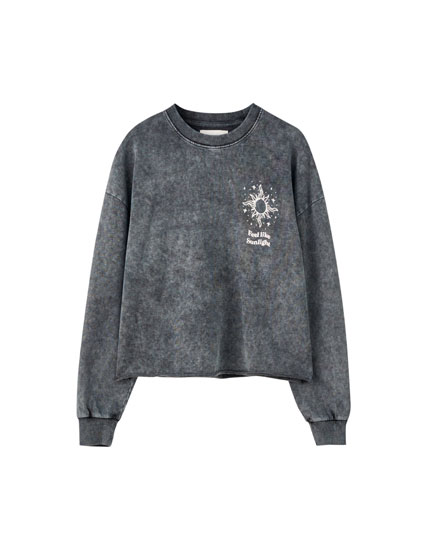Faded sweatshirt with contrast print