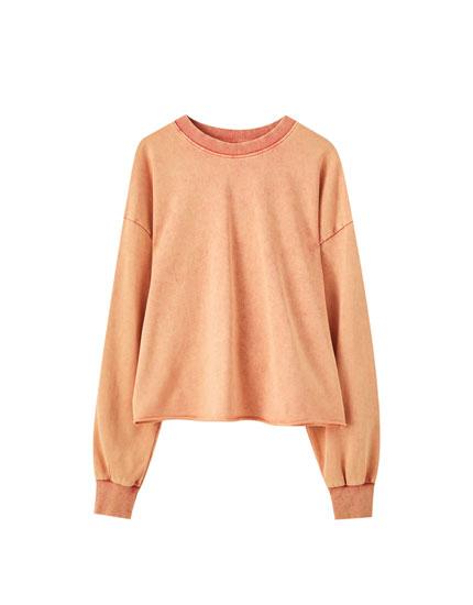 Χρωματιστό φούτερ με όψη ξεβαμμένου