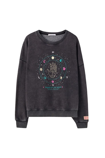Acid wash sweatshirt with illustration