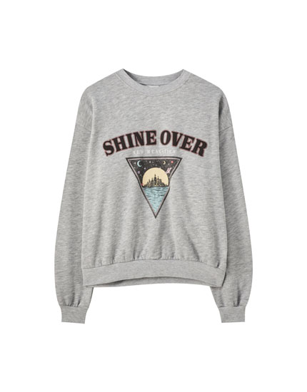 Grey sweatshirt with triangle and slogan