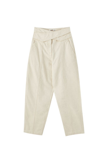 Τζιν παντελόνι slouchy με σταυρωτή μέση από λινό