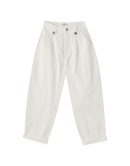 White balloon jeans with darts