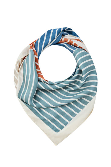 Scarf with a multicoloured stripe print