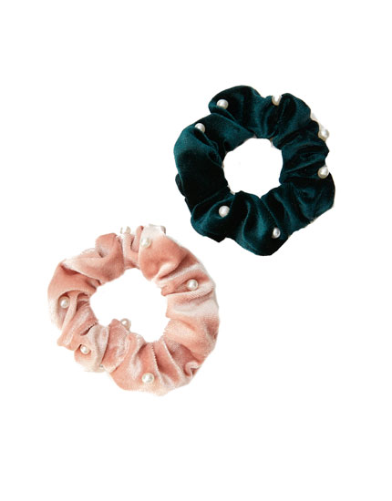 2-pack of velvet scrunchies with faux pearls