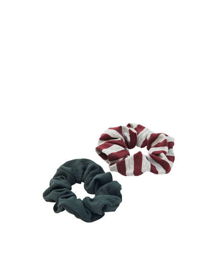 2-pack of striped scrunchies