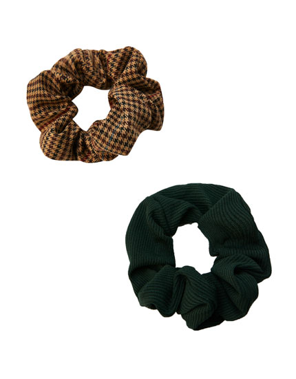 Pack of 2 check print scrunchies