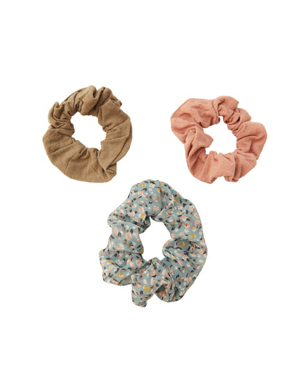 3-pack of floral scrunchies