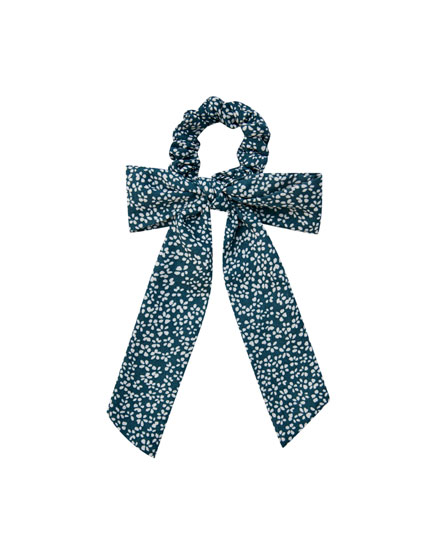 Bow scrunchie with a contrast floral print