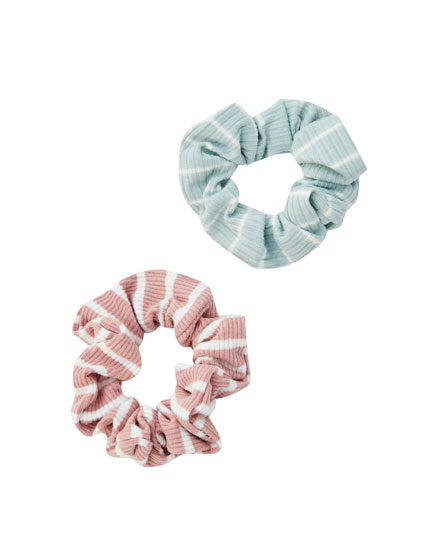 Pack of striped ribbed scrunchies