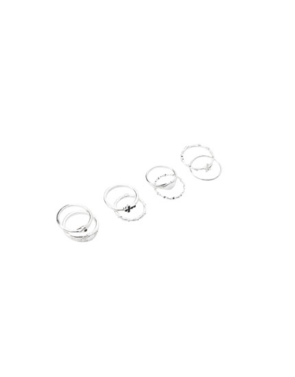 Pack of 8 heart rings
