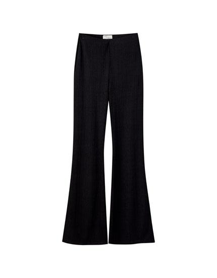 Pantalón campana canalé negro