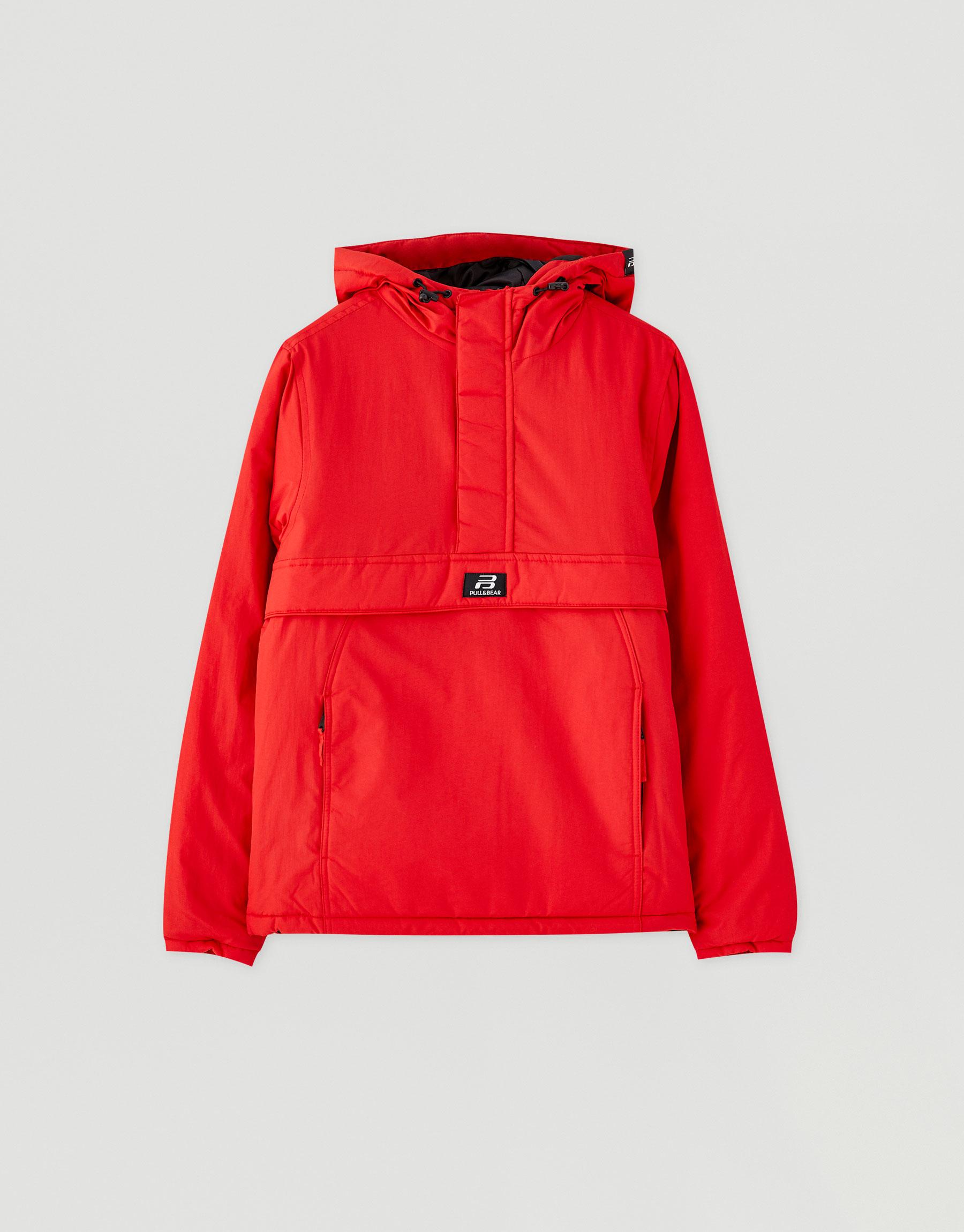 Базовая цветная куртка с карманом спереди. КРАСНЫЙ Pull & Bear