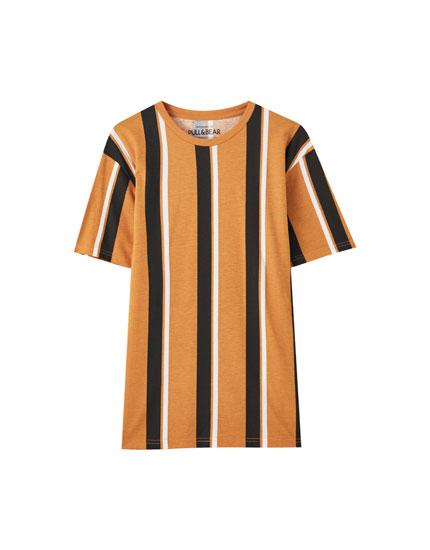 Κοντομάνικη μπλούζα basic με ρίγες
