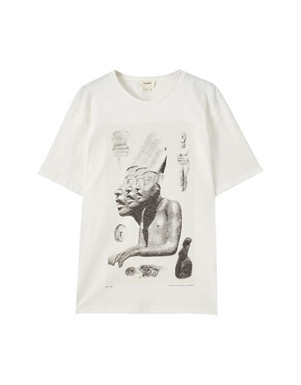 White T-shirt with statues illustration