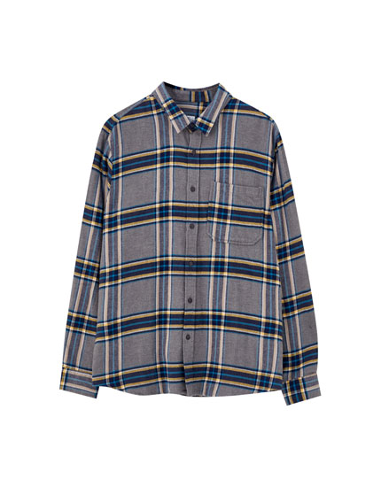 Серая рубашка в шотландскую клетку
