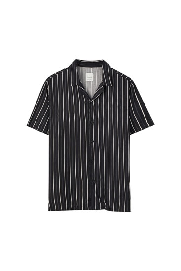 Black stripe print shirt